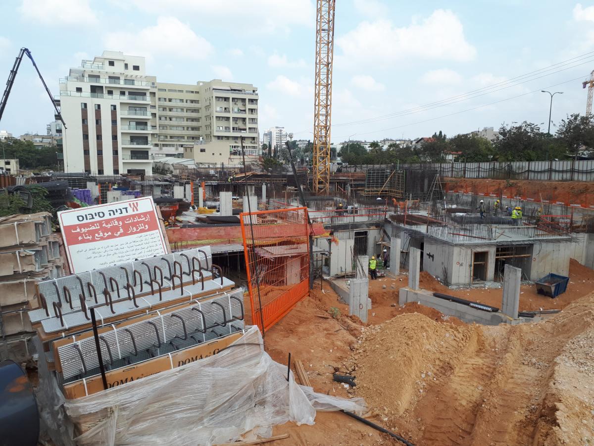 רחובות החדשה דניה סיבוס - דבק כימי AC100Pro ובורג בטון BT