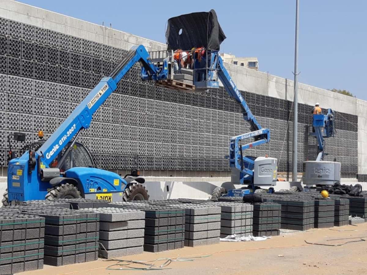 כביש 531 אשטרום חיבור קירות אקוסטיות עם עוגן כימי דבק AC100Pro