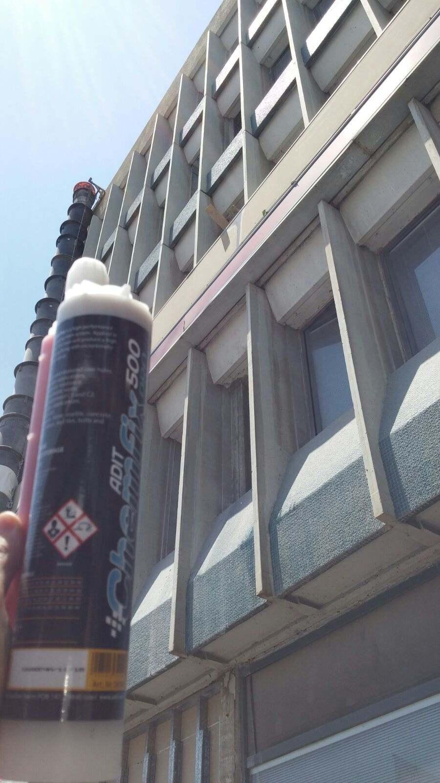 מסודר מגדלי שוקן 18 תל אביב - עיגון כימי לקוצים עם עוגן כימי אפוקסי NF-48