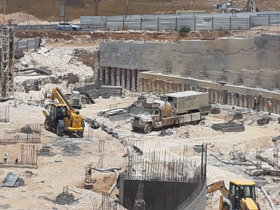 חניון חנה וסע ירושלים - דבק כימי לקוצים Chemfix200 ובורג בטון לתבניות BT